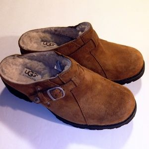 UGG CLOGS WOW WHAT A FIND